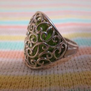 sterling gothic style lime green ring/size 6.5